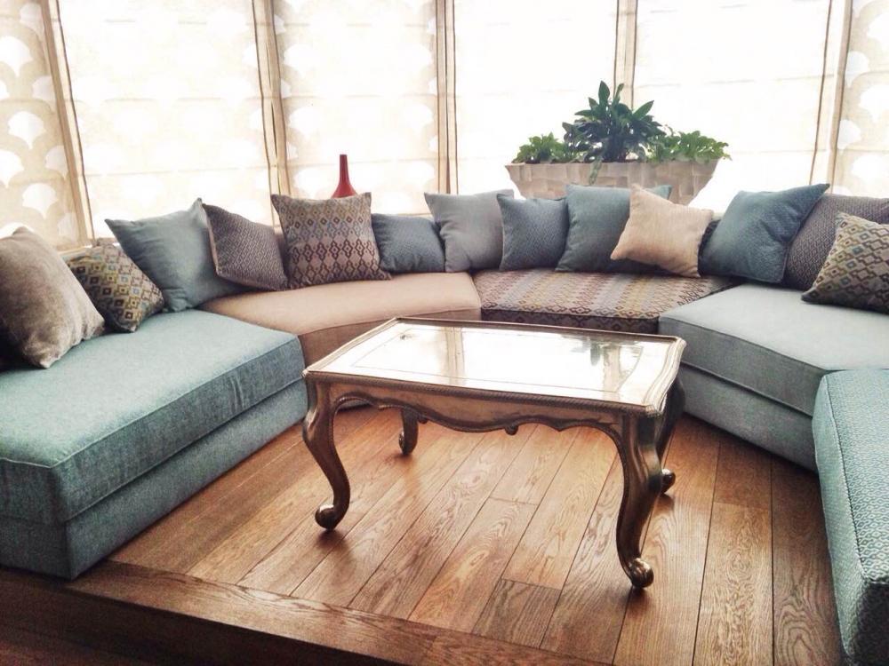 Эркерные диваны в интерьере - в чем их особенность и преимущество?