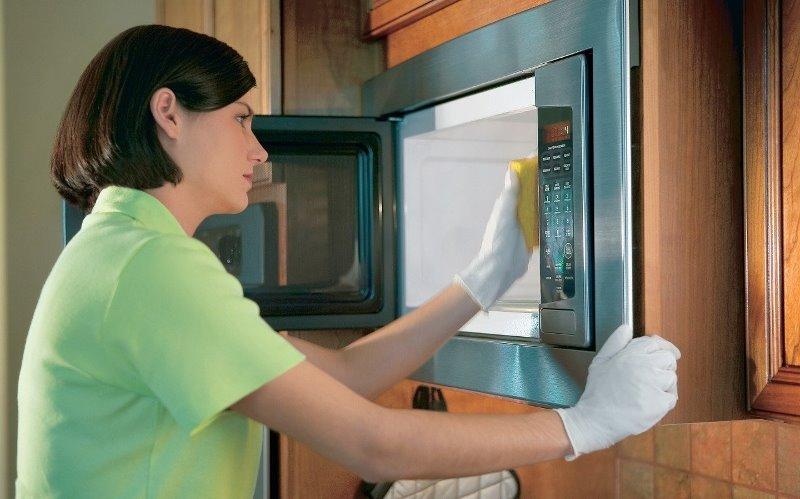 быстро помыть микроволновку внутри от жира