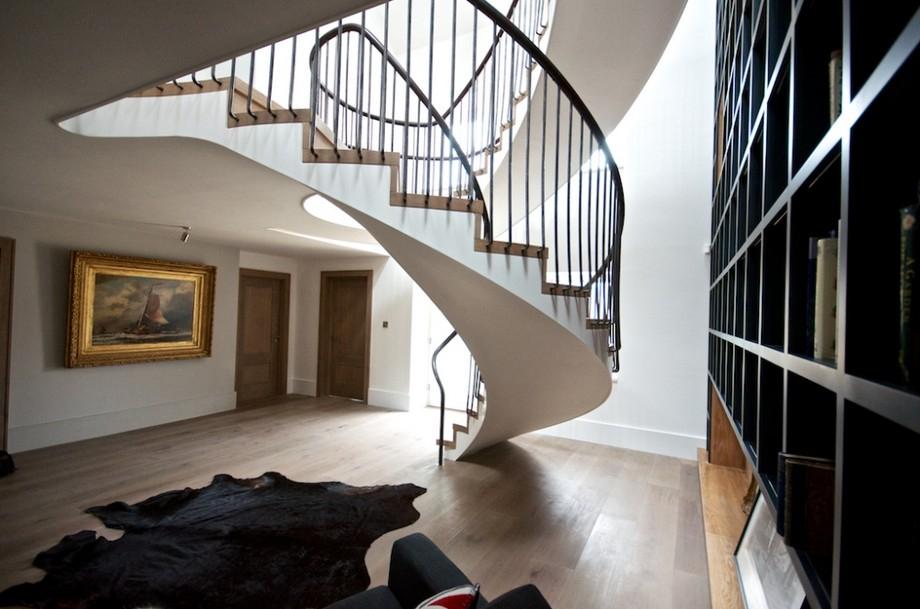 лестницы на второй этаж в частном доме (главный ключ)