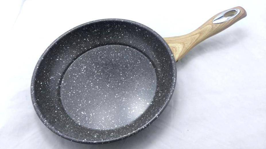 сковорода с титановым покрытием