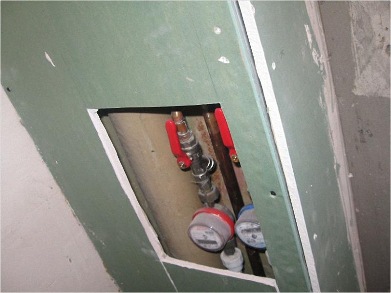 спрятать трубы в ванной под плитку