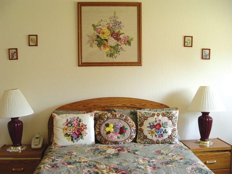 Вышивка в интерьере квартиры и дома +50 фото идей
