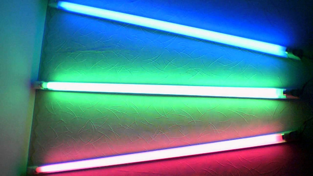 Цветомузыка на люминесцентных лампах (color music on fluorescent ...
