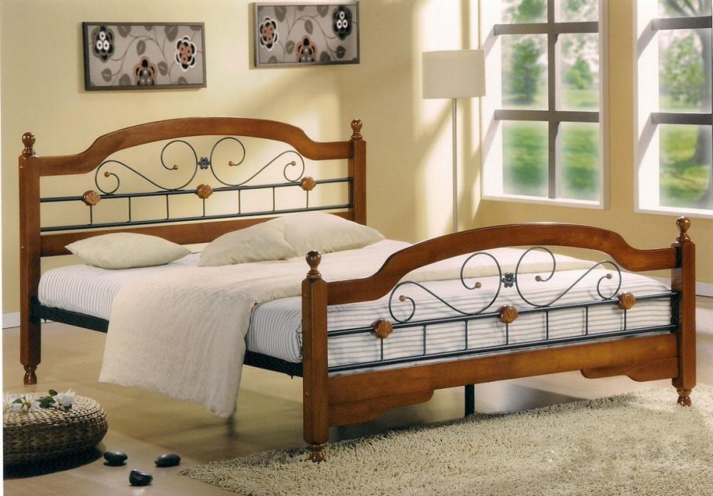 классические кровати из массива