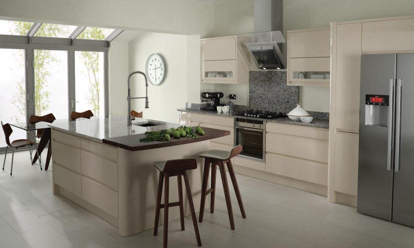 Бежевая кухня: 70 фото идей идеального сочетания интерьера на кухне