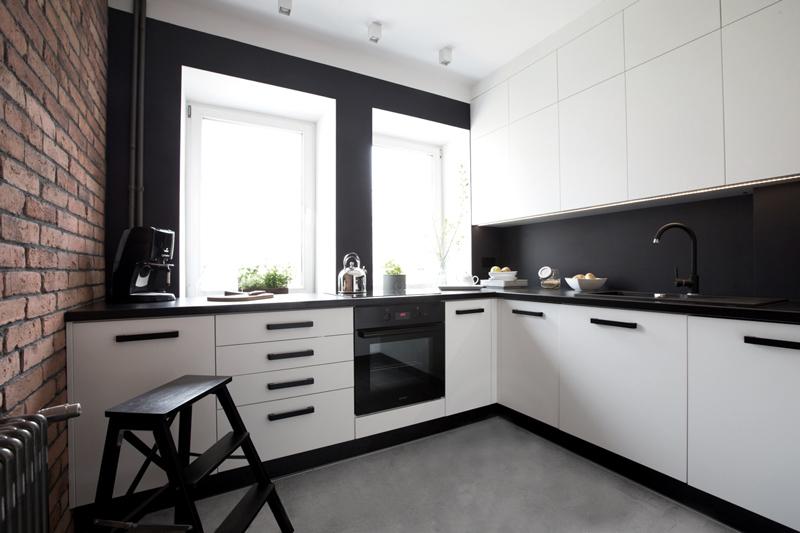 Черно-белая кухня от производителя Flashnika