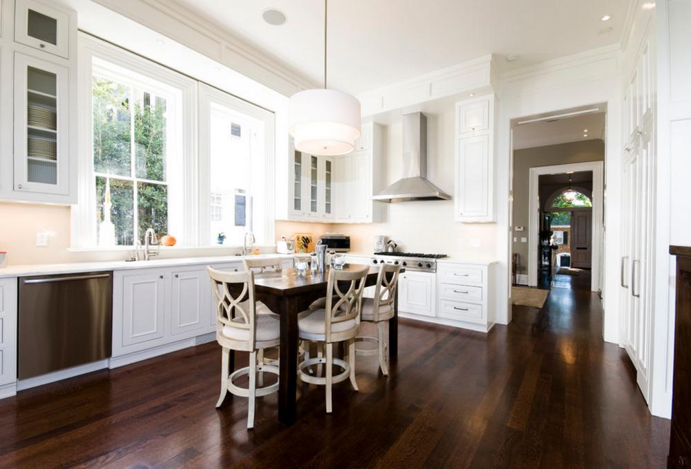 Кухня с темным полом (60 фото): дизайн интерьера для белой и светлой ...