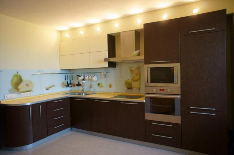 Кухни МДФ-пленка: 30 фото красивых фасадов кухонных гарнитуров, уход ...