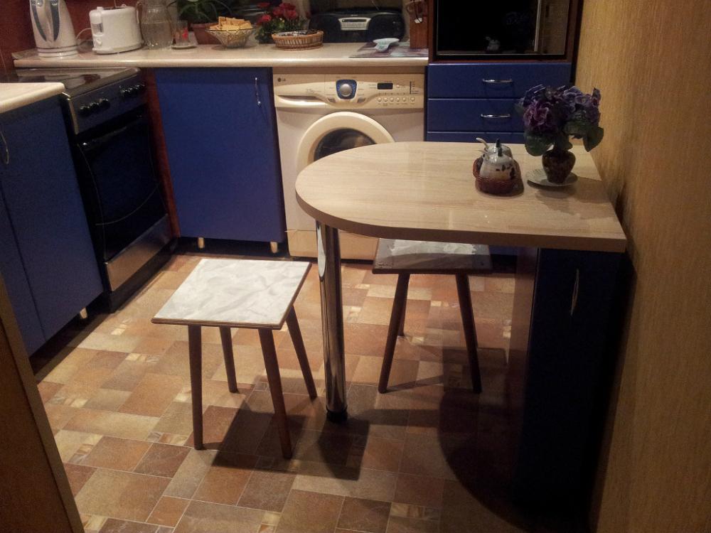 шкаф с откидным столом