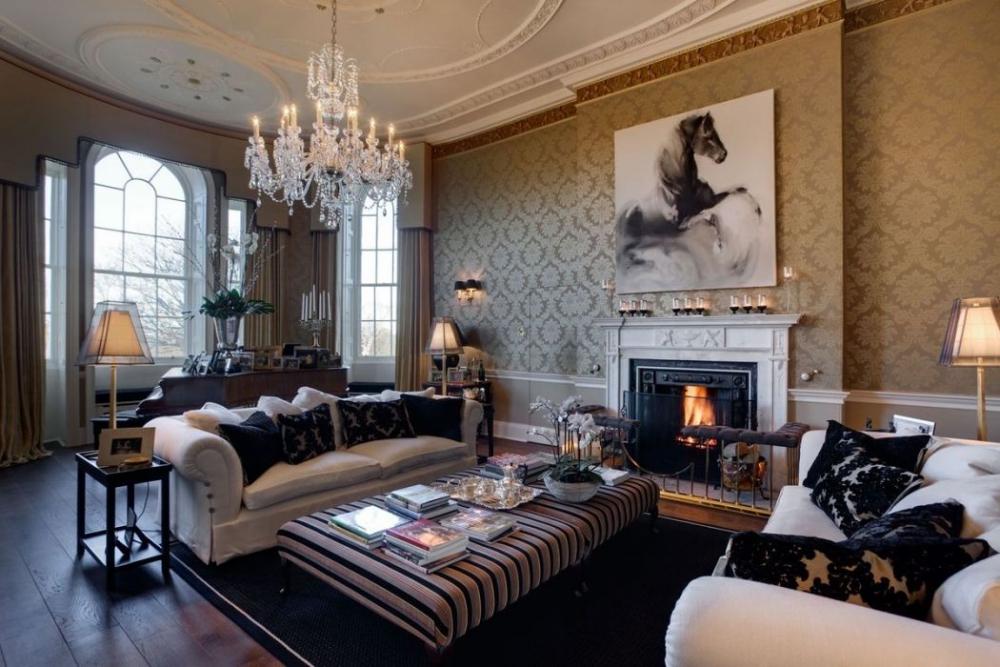 Гостиная в английском стиле - характеристики, декор, мебель 40 фото