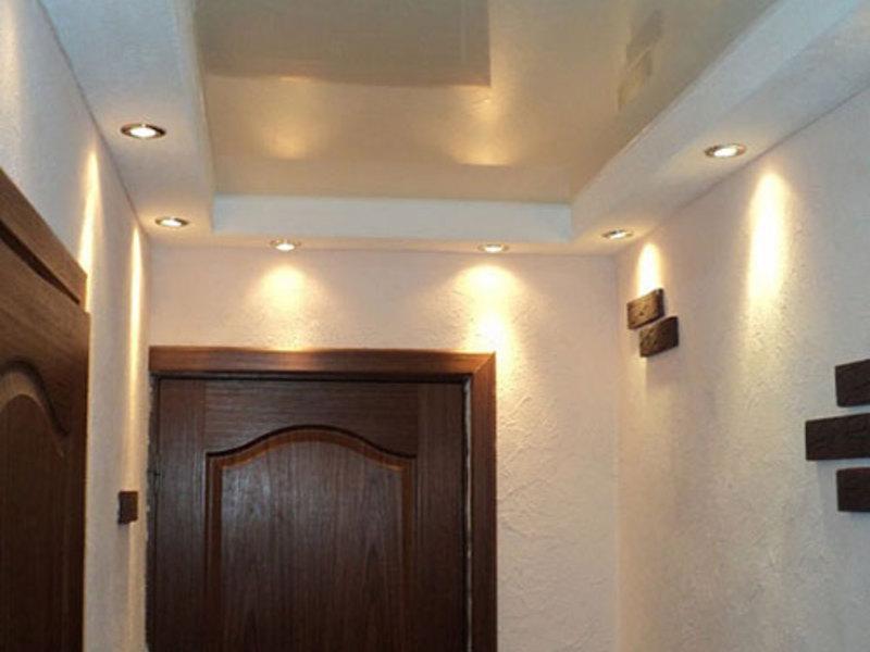 Натяжной потолок в прихожей: фото и советы по выбору оптимального ...