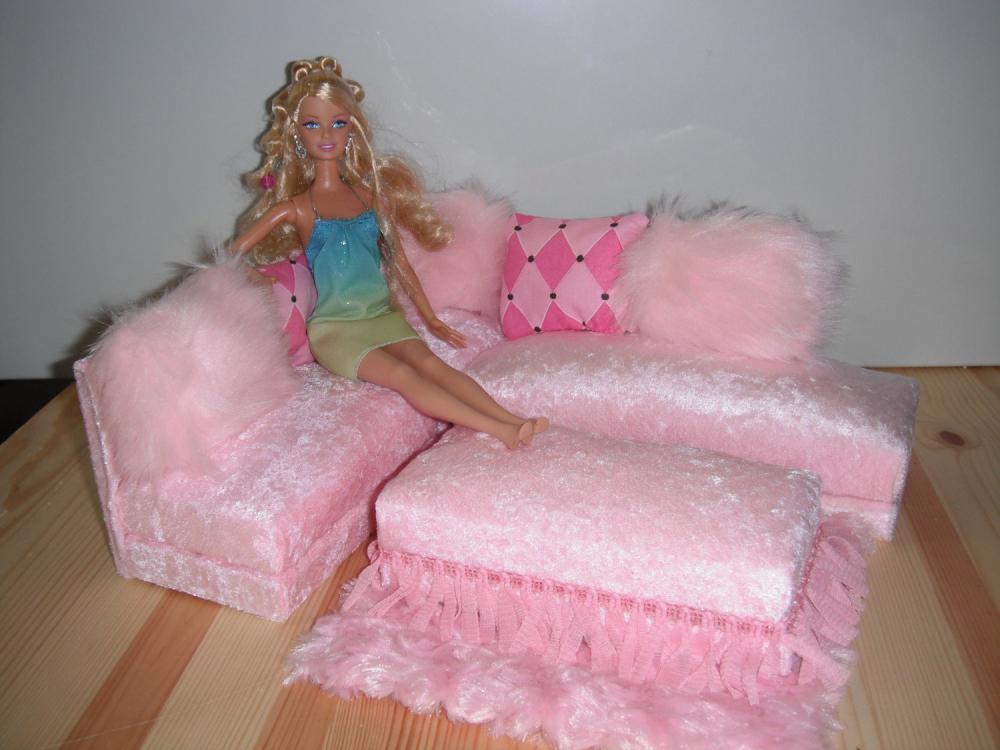 сделать диван для кукол своими руками