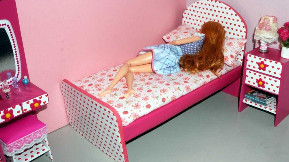 как сделать кровать для кукол