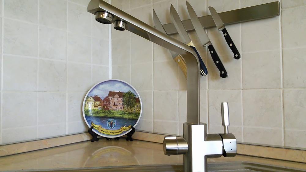краны для кухни с двумя изливами (главный ключ)