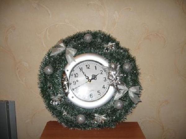новогодний декор часов своими руками