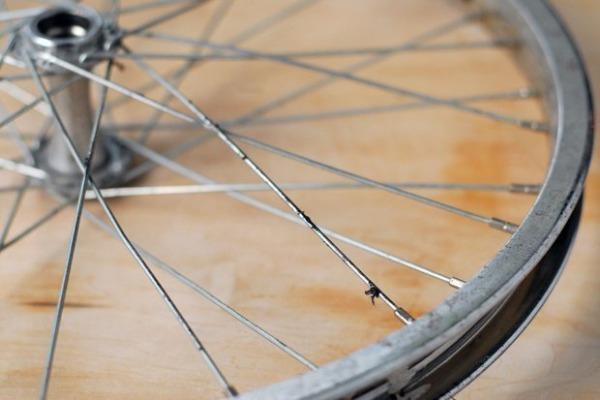самодельные часы из велосипедного колеса