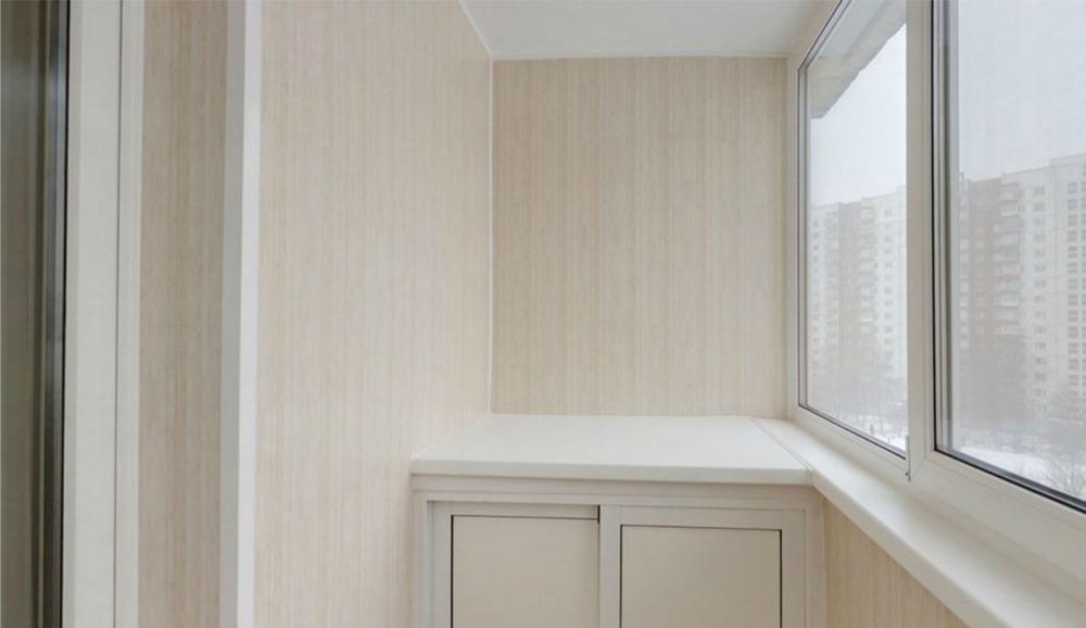обшить балкон пластиковыми панелями