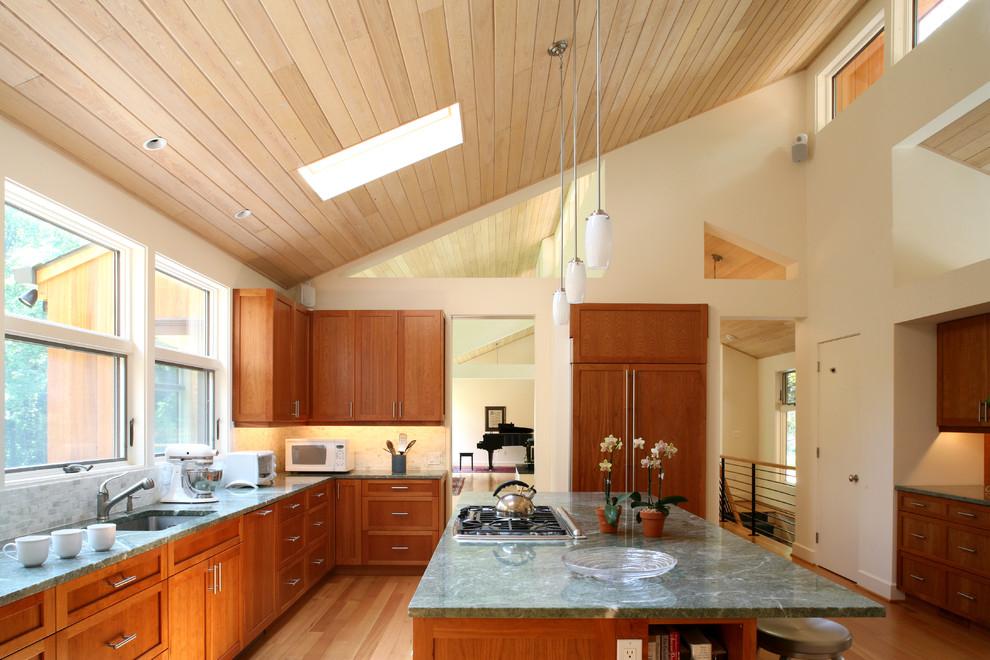 как отделать потолок в квартире