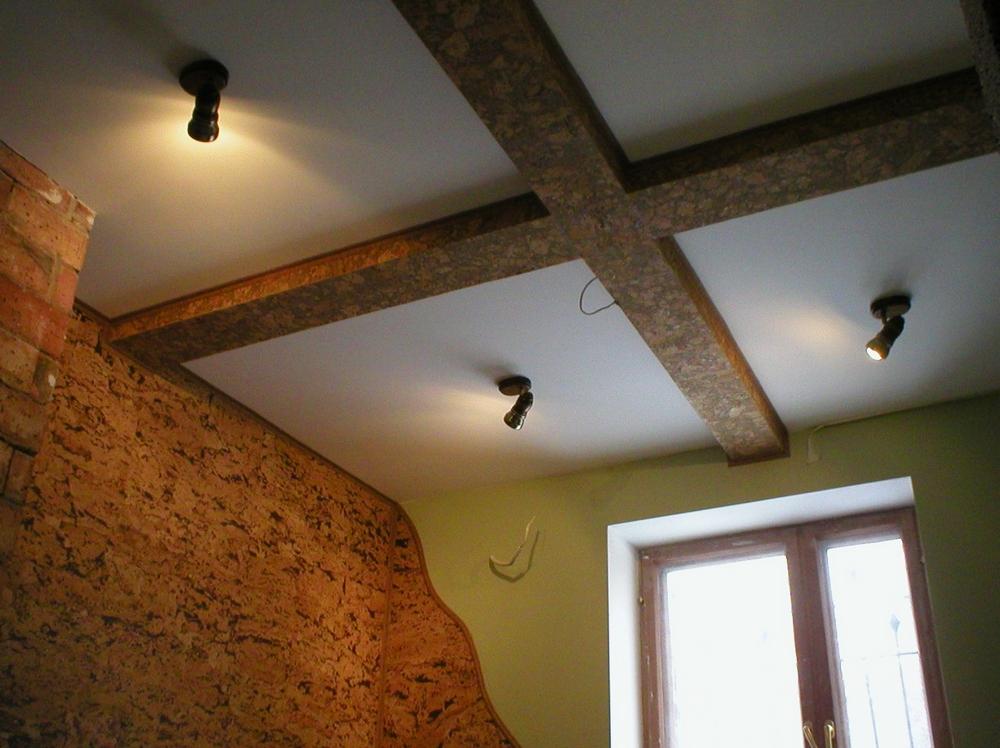 варианты отделки потолка в квартире