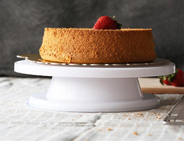 поворотный стол для торта (главный ключ)