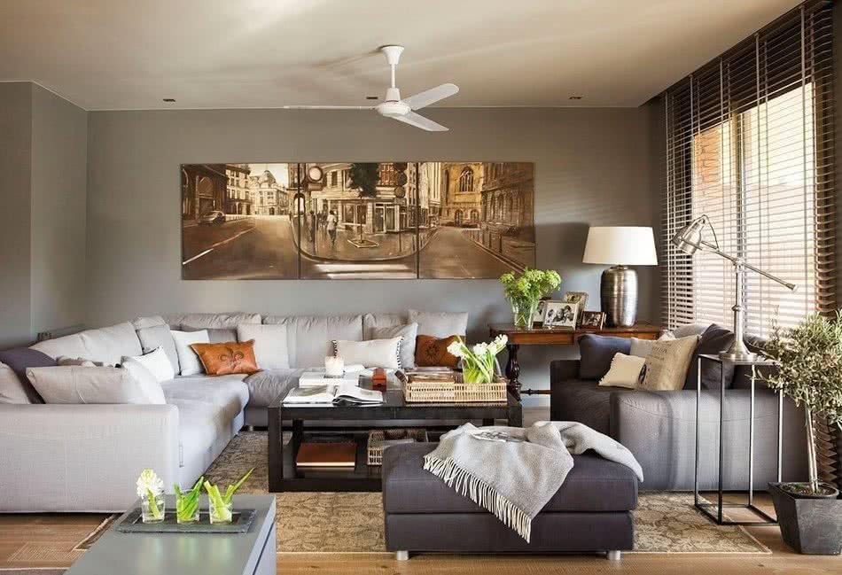 Декорируем картинами гостиную: 5 основных правил