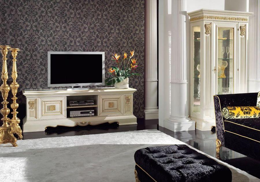 dlinnaya-tumba-pod-televizor-v-stile-barokko