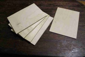 Как сделать кормушку для птиц из фанеры: чертежи с фото