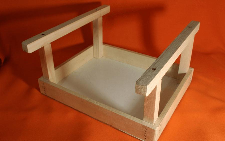 Пошаговое фото изготовления деревянной кормушки