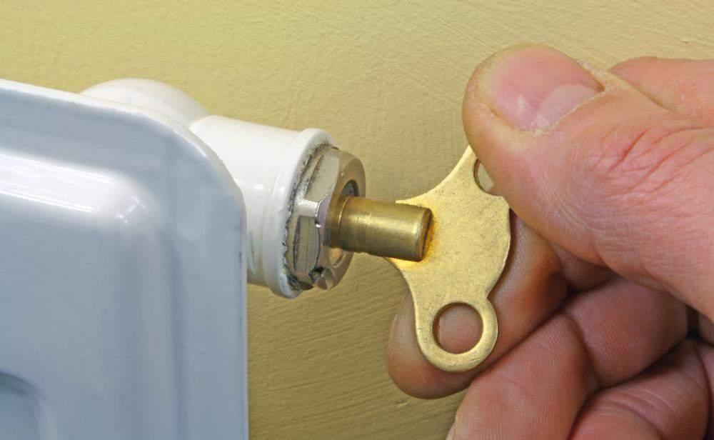 Ключ для удаления воздуха из радиатора
