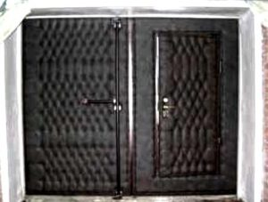 Как утеплить ворота гаража изнутри и снаружи своими руками