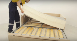 Скрипит диван: почему появляется звук, как это можно исправить