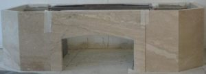 Отделка камина мрамором с фото