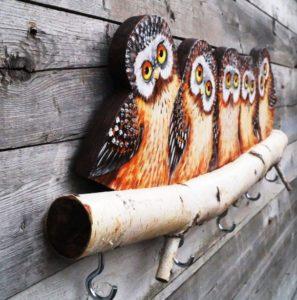 Настенная ключница из дерева своими руками: чертежи, эскизы и фото