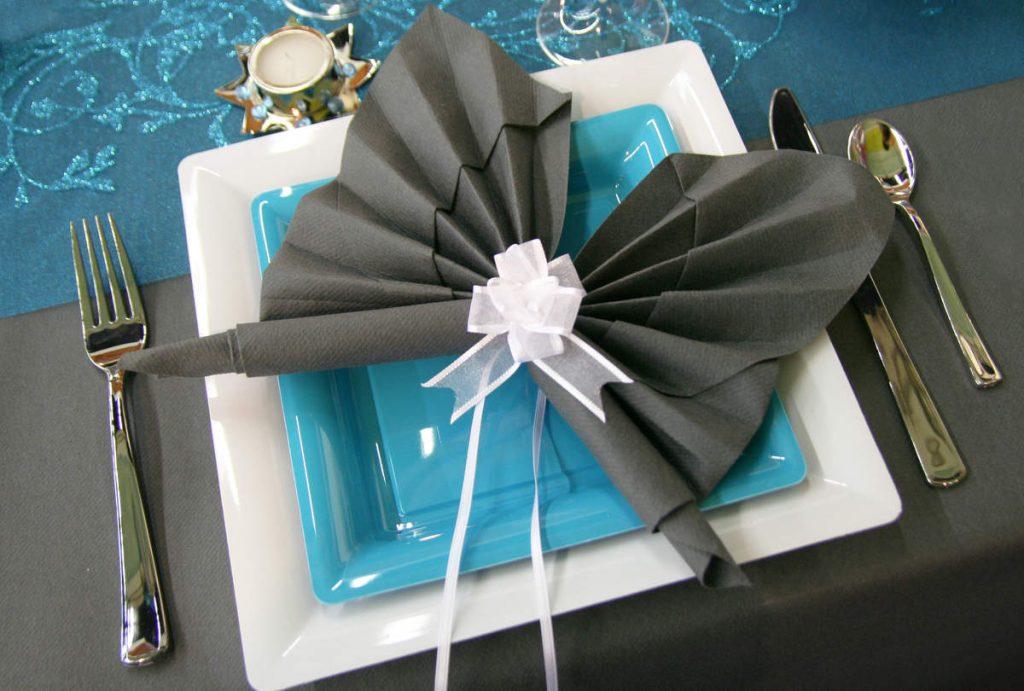 Как красиво сложить бумажные салфетки в салфетницу Способы складывания для разных салфетниц