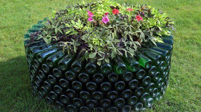 Поделки из бутылок — что можно сделать из стеклянных бутылок