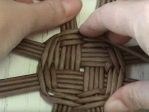 Хлебница из газетных трубочек: овальная, круглая и ажурная