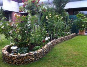 Габионы-клумбы своими руками: декорирование цветника из проволочной сетки и камней, фото