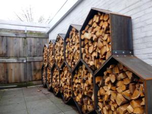Как сделать дровник для хранения дров: как построить самому, видео