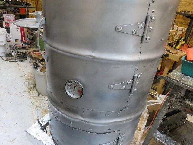 Как сделать коптильню холодного, горячего копчения из 200-литровой бочки