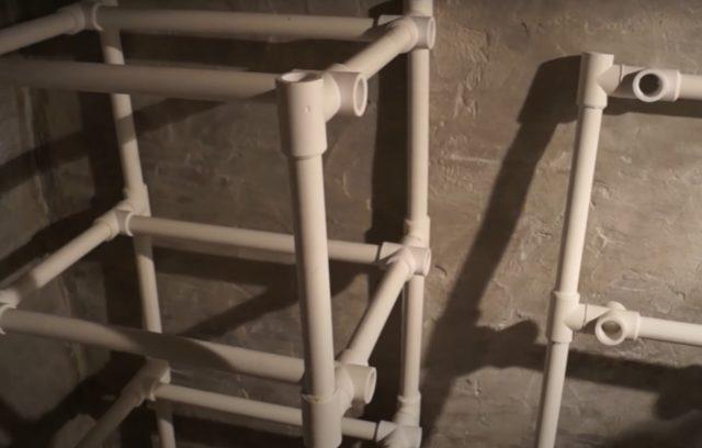 Как сделать полки в подвале, погребе своими руками: варианты, фото