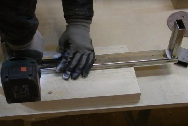 Как сделать стеллажи в кладовку своими руками: из дерева, профиля