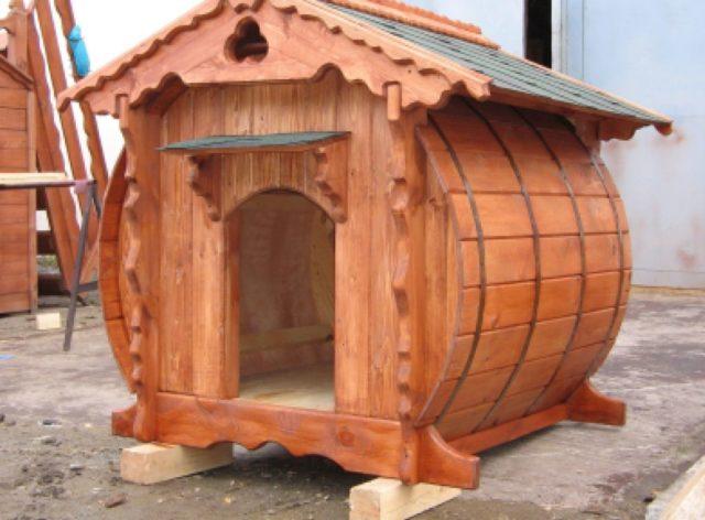 Как сделать будку для собак из дерева своими руками