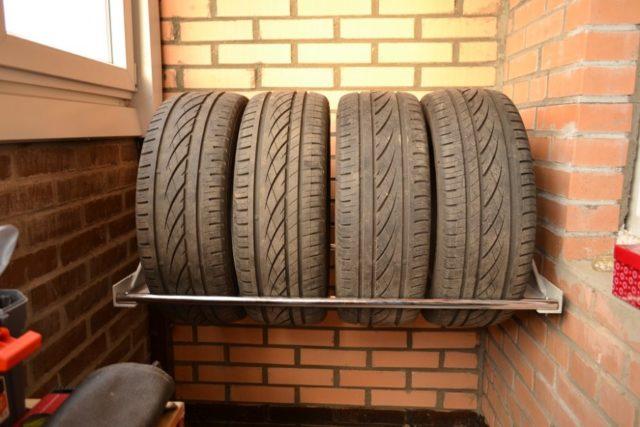 Как правильно хранить шины без дисков летом, зимой