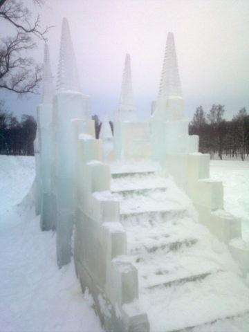 Как сделать горку из снега для детей своими руками поэтапно