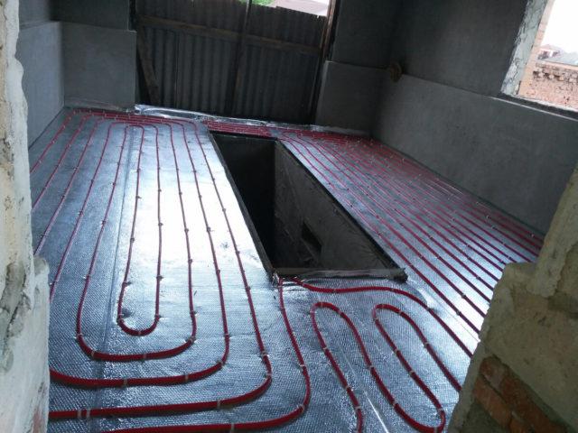 Водяной и электрический теплый пол в гараже своими руками