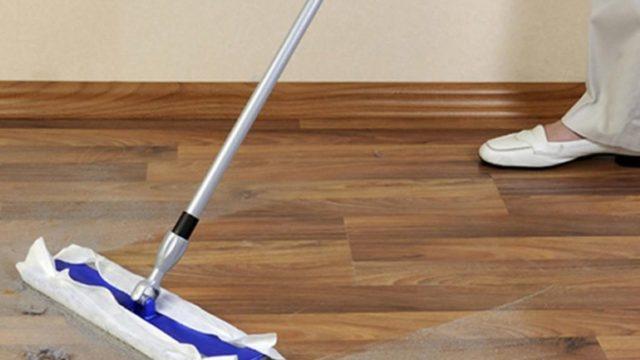 Чем и как очистить монтажную пену с линолеума