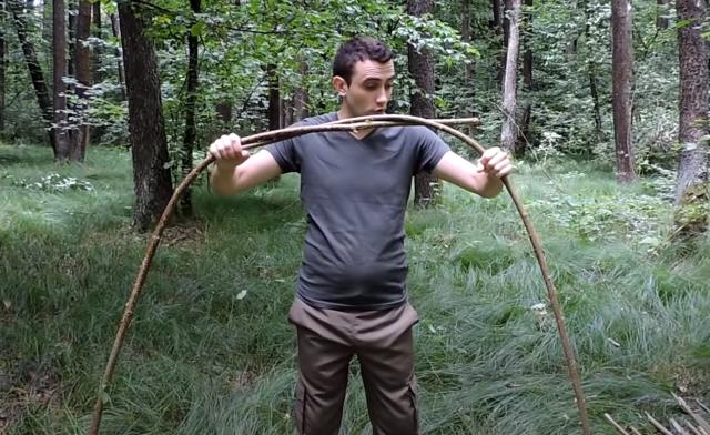 Как построить шалаш из веток на улице своими руками