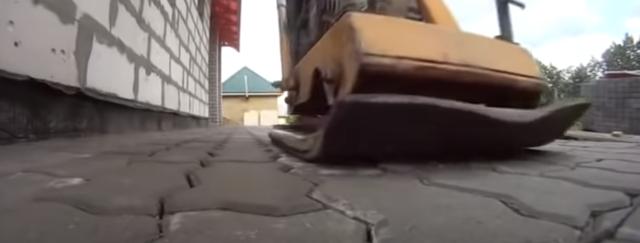 Отмостка из брусчатки вокруг дома: как укладывать, технология, видео